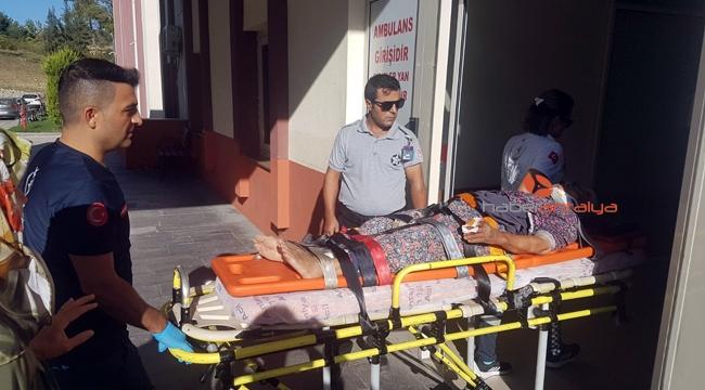 Ticari araç şarampole yuvarlandı: 1 ölü, 1 yaralı