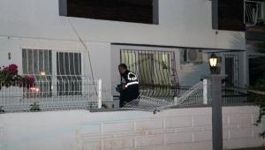 3 katlı binanın çatısından atladı.