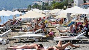 Eylül güneşi, plajları ısıttı