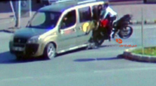 İki gencin ölümüyle sonuçlanan kazanın duruşmasında, sürücüye tahliye çıkmadı