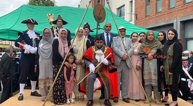 İngiltere'de Orta Çağ'dan kalma ilginç gelenek: Belediye başkanının kilosunu tartmak