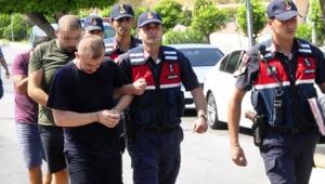 Yardımsever dolandırıcılar yakalandı
