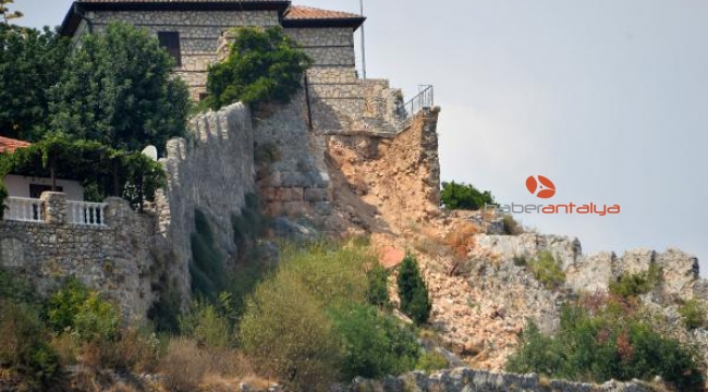 Alanya Kalesi'nde yıkılan surlar onarılmadı