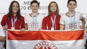 Antalyaspor havuzda madalyaları topladı
