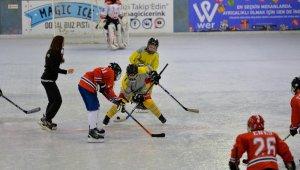 Güneşin kentinde buz hokeyi turnuvası