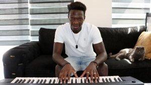 Süper Lig'in müzisyen futbolcusu Fabrice N'Sakala