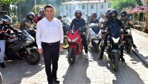 Tütüncü'den motosikletlilere destek