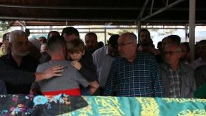 6,5 yaşındaki Mustafa Kemal, annesinin cenaze namazında saf tuttu