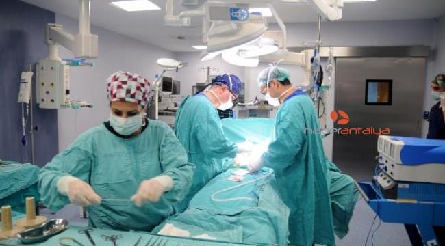 Akdeniz Üniversitesi (AÜ) Hastanesi'de ekimde 41 nakil