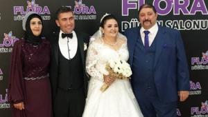 Başkan vekili, kızını evlendirdi