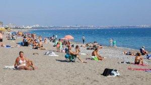 Dünyaca ünlü sahilde sıcak hava yoğunluğu