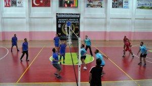 Geleneksel voleybol turnuvası başladı