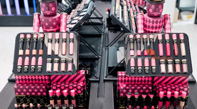 Kozmetik ürünlerindeki büyük indirimlere dikkat