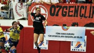 Muratpaşa'nın 15 oyuncusu milli takımlarda