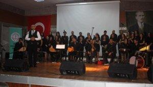 Öğretmenler korosundan meslektaşlarına konser