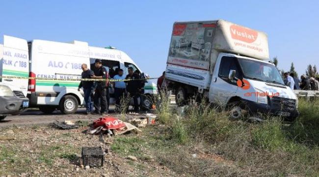 13 yaşındaki Salih çilek tezgahını açarken , kamyonetin altında can verdi
