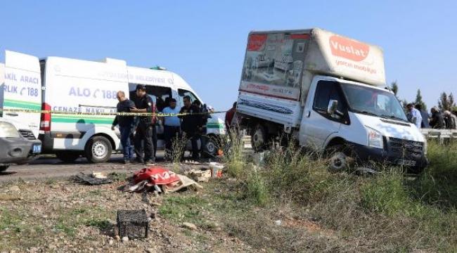 Salih, minibüsün çarptığı kamyonetin altında can verdi