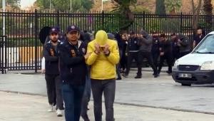 Tatilcileri milyonlarca lira dolandıran şüpheliler yakalandı