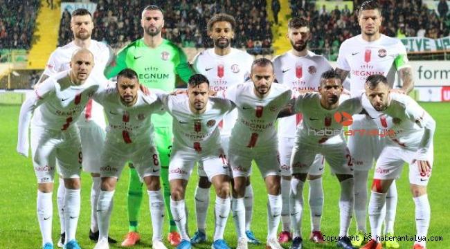 Antalyaspor 8 maçta 2 puan kazanabildi