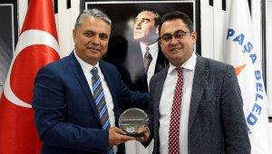 Başkan Uysal, İbradı Belediye Başkanı Küçükkuru'yu ağırladı