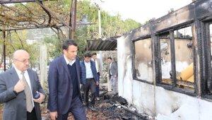 Evi yanan aileleri Başkan Ulutaş'tan yardım sözü