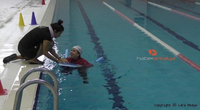Kepez Belediyesi, 10 bin ev hanımına yüzme öğretecek