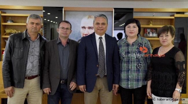 Kırgız Derneğinden Başkan Uysal'a ziyaret