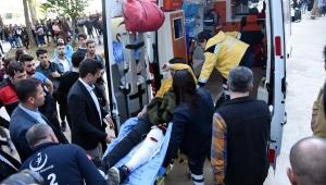 Yüksek okuldaki kavgada bir öğrenci bacağından bıçaklandı
