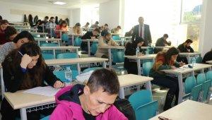 ALKÜ öğrencilere yurt dışı için dil yeterlilik sınavı yaptı