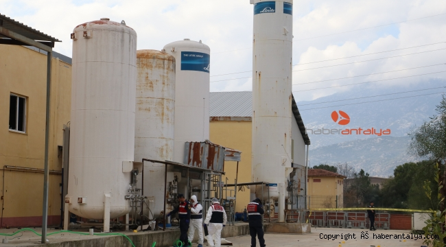 Antalya'da sanayi sitesinde tahliye borusu patladı