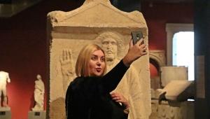 Antalya Müzesi selfie'ledi!