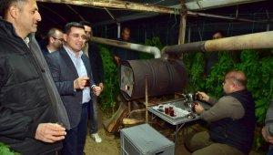 Başkan Tütüncü üreticilerle zirai don nöbetinde