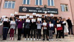 Başkan Uysal'dan duyarlı öğrencilere kutlama