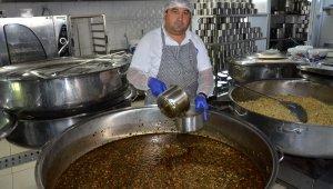 Büyükşehir aşevleri 595 bin kişilik yemek yardımı yaptı