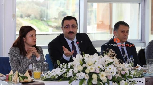 Rektör Prof.Dr.Kalan gazetecileri ağırladı