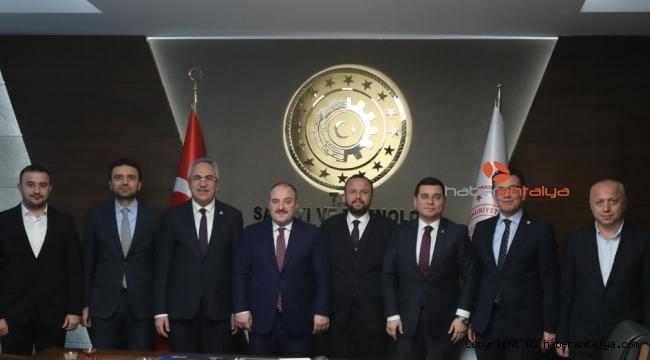 Tütüncü 'nün Antalyalı bürokratlarla Ankara ziyareti