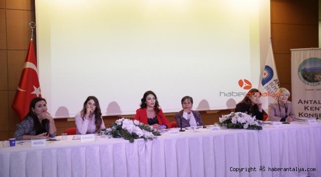 Kadına Yönelik Şiddetle Mücadele ve Çözüm Önerileri Paneli