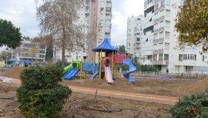 Muratpaşa'da park alanı yenileniyor