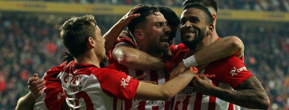 Süper Lig: Antalyaspor: 3 - Kasımpaşa: 1