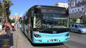Antalyalı evinde kaldı, toplu taşıma kullanımı yüzde 55 oranında düştü