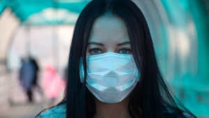 Eczaneler ücretsiz maske dağıtımı için sevkiyatı bekliyor