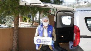 Bir aylık gıda yardımları evlere teslim ediliyor