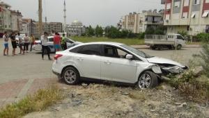 17 yaşındaki ehliyetsiz sürücü kaza yaptı kaçtı