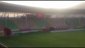 Alanyaspor stadyumunda İstiklal Marşı yankılandı