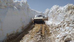 Antalya'da mayıs ayında 4.5 metre kar !