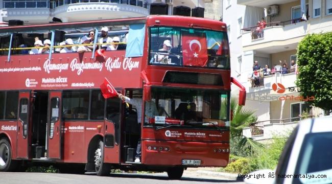 Büyükşehir'in mobil konserleriyle şenlendi