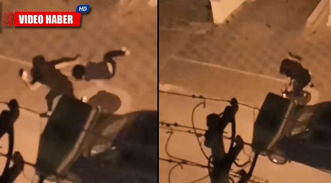 Genç kızların sokak ortasında kavgası