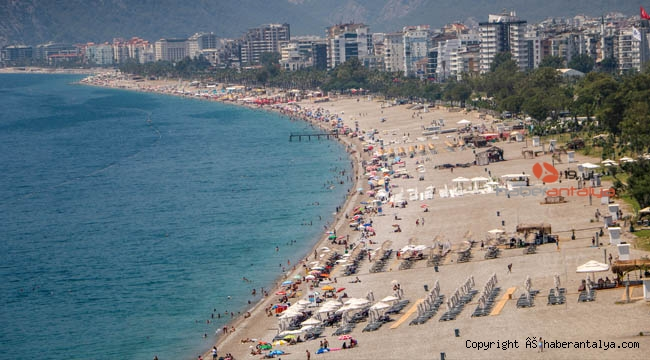 Antalya 'Normaline' dönüyor. Sıcaklar artıyor, sahiller doluyor