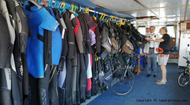 Batı Antalyalılar su altı misafirlerini bekliyor