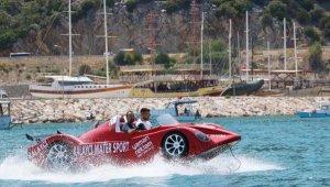 Deniz otomobilleri görenleri şaşırtıyor